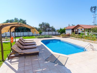 Photo for Villa with private pool and large balcony with sea view ideal for families.