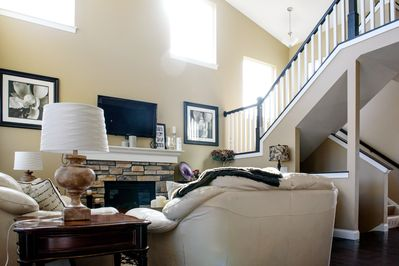 Main living room, two story cielings