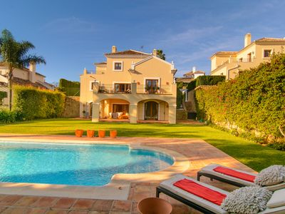Photo for El Paraiso villa with heated pool, large plot, Fiber Internet and BBQ