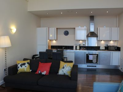Photo for Week2Week Fabulous Two Bedroom City Centre Apartment