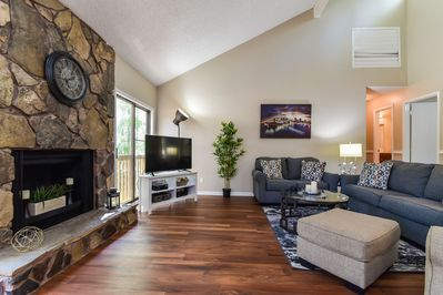 Terrific Spacious Bright Open 5 Bedroom House With Foosball Table In Stone Mountain Stone Mountain Lamtechconsult Wood Chair Design Ideas Lamtechconsultcom