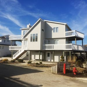 Photo for Large Newer4BR Home-between Beach & Bay-BeautifulViews&3King Beds-2nd Fam Room