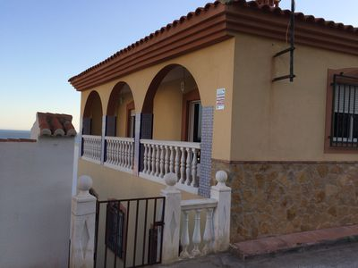 Photo for Spacious townhouse with 3 bedrooms in Castell de Ferrro