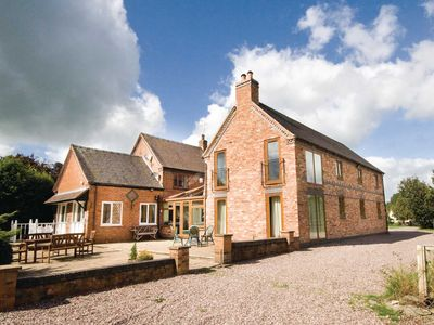 Photo for 5 bedroom accommodation in Hankelow, near Audlem