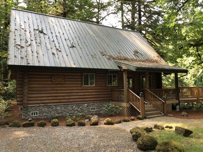 Photo for Beautiful log cabin in quiet, scenic setting