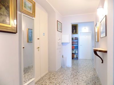 Photo for TREE HOUSE - apartment in the center of Bari