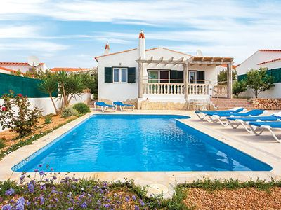 Photo for Great Villa w/pool, BBQ , close to restaurants, bars & shops!