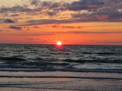 Photo for WALK TO INDIAN ROCKS BEACH FOR GORGEOUS SUNSETS!