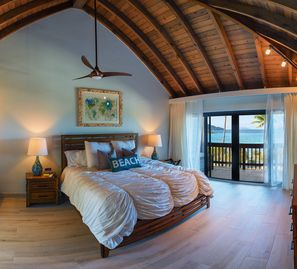 As Seen on HGTV!  Beachfront Sapphire Seclusion with Incredible Views