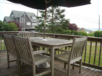 Photo for Ocean Access Cottage with ocean view deck on Conanicut Island's Beavertail