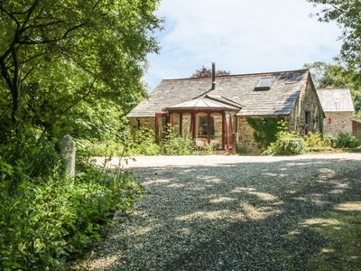 Photo for BULLS COTTAGE, pet friendly, with open fire in Blisland, Ref 924874