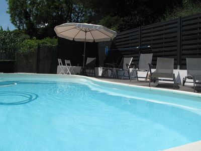 Photo for Holiday villa with pool in a quiet location on the outskirts of the village of Saint Paul de Vence