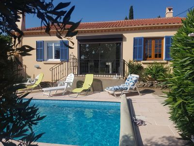 Photo for The living room with private pool in Flayosc in Provence