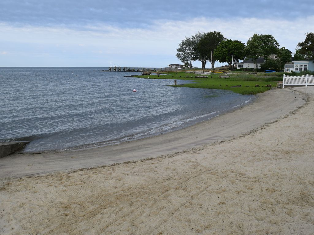 Beach House Steps From The Beach Old Saybrook Connecticut Rentbyowner Com Rentals And Resorts