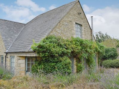 Photo for 2 bedroom accommodation in Shipton-under-Wychwood