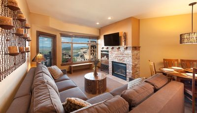Photo for 2 Bedroom Condo - Ski-in/Ski-out with Hot Tub, Pool & Gym Onsite!