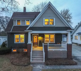 Photo for Perfect Downtown Frankenmuth Location! Sleeps Up to 12 and Walk to Everything!