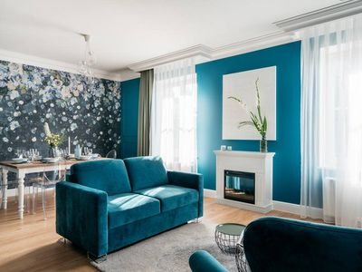 Photo for Apartment English style & contemporary art by Square in Notting Hill design