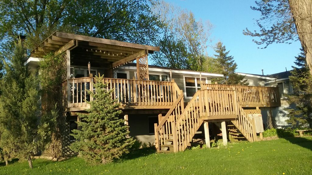 Family friendly lake pepin home vrbo for Lake pepin cabin rentals