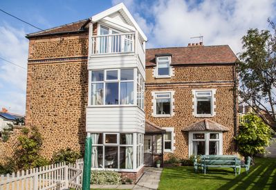 Large, Family & Dog Friendly, 3 Storey House In Hunstanton, Close To The  Beach - Hunstanton