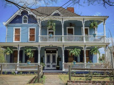 Photo for Vicksburg Home w/3 Porches, Walk to Downtown