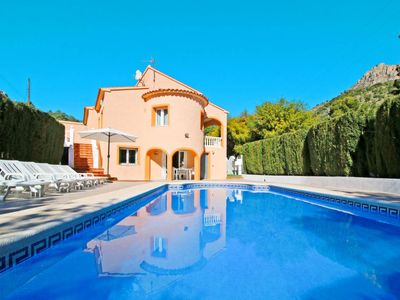 Photo for 6 bedroom Villa, sleeps 13 in la Canuta with Pool, Air Con and WiFi