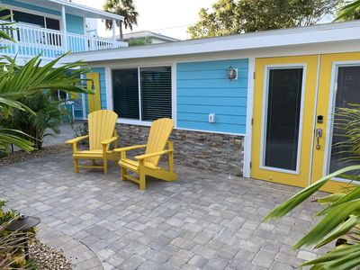 Getaway by the Beach & Bay for Two...Walk or bike to restaurants and the beach!