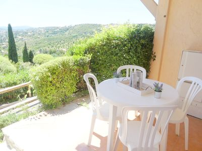 Photo for Apartment with sea view terrace, sleeps 4, pool