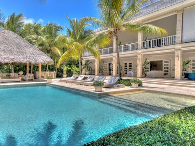 Photo for Imposing 6 Bedroom Villa with exclusive Golf Views