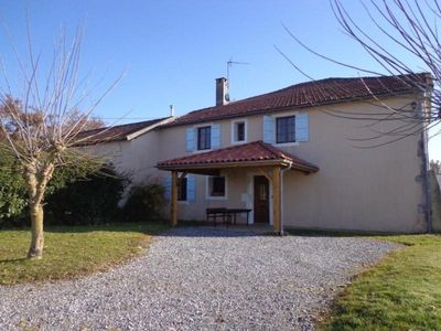 Photo for Gite Horsarrieu, 4 bedrooms, 6 persons