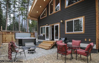 Photo for *NEW* Gorgeous Home w/ HOT TUB, WIFI, Propane firepit & grill, Pets OK