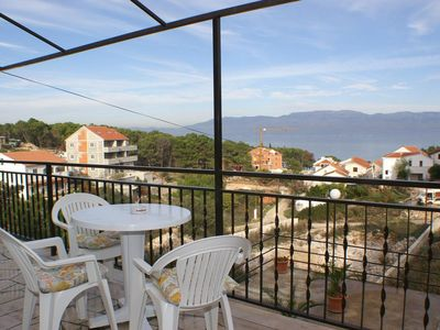 Photo for Comfortable and spacious apartment with terrace and sea view Sutivan, Brač (A-747-a)