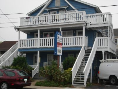 Photo for Hitch Apartment, walking to boardwalk/grocery store/laundry, 3 days stay minimum