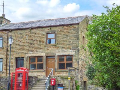 Photo for THE OLD POST OFFICE, pet friendly in Garstang, Ref 936378