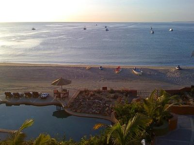 Photo for Family Friendly Retreat, Sea of Cortez Sunrises, Beachfront Villa, and Pool Bar!