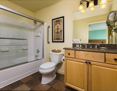 WorldMark Las Vegas-Tropicana bathroom