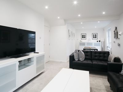 Photo for Modern & Stylish 3 Bedroom Apartment - Parking