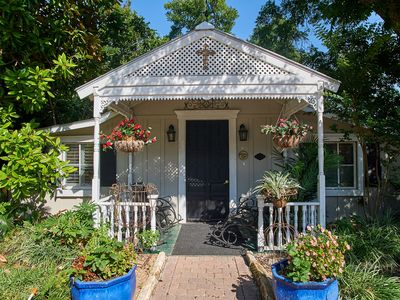 Charming Chardonnay Cottage, one of three cottages at Zink Haus