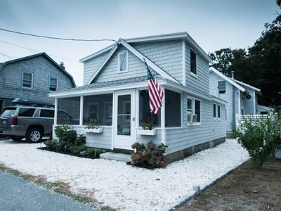 Small Scales - Vacation Central in Harwich Port! Steps to beach and downtown!