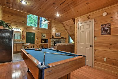 The vacation rental has all of the comforts of home along with fun amenities!
