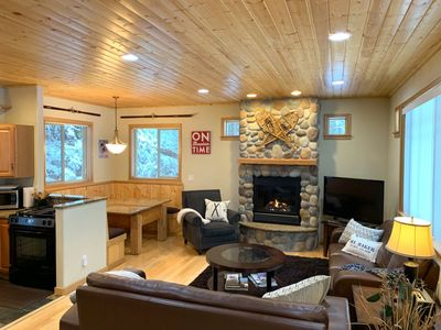 Livingroom with Built in Dining Nook, Gas Fireplace and TV/DVD