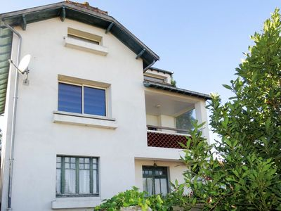 Photo for Cosy apartment for 5 guests with TV, balcony, pets allowed and parking