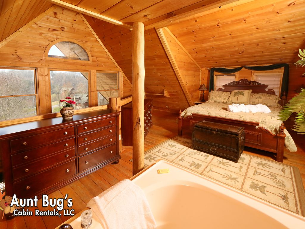 A Slice Of Paradise In A One Bedroom Cabin Near Downtown Pigeon Forge Tn Sevierville Sevier