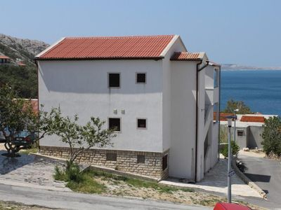 Photo for One bedroom apartment with terrace Metajna (Pag)