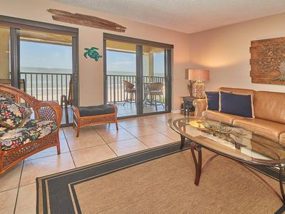 Photo for NEW to VRBO, updated, on top floor in quiet 20 unit Complex, free WiFI