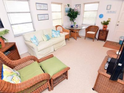 Photo for One bedroom bungalow cottage short walk to the beach! PLUS $100+ Exclusive Beach Resort Discounts on