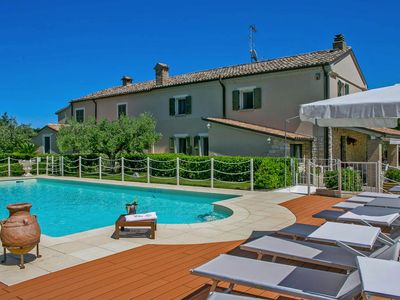 Photo for Private Villa with pool, beach 4Km, wi-fi, air-conditioning, Jacuzzi, Le Marche