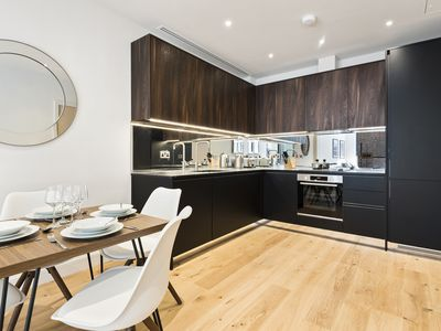 Photo for LONDON BRIDGE SUITES Stylish flat with terrace