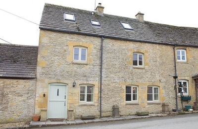 Photo for Hope Cottage is traditional semi-detached Cotswold stone property in the village of Naunton.