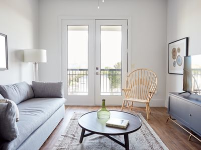 Photo for Sonder | The Hampstead | Airy 1BR + Laundry